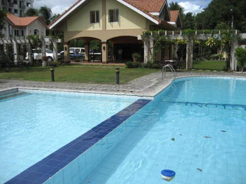 Condominium for rent with swimming pool