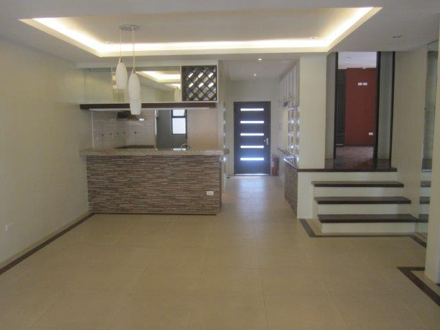 CONDO FOR SALE ANGELES CITY FRIENDSHIP Ref:Ad# 0000411