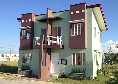 PRETTY DUPLEX HOUSE IN MAGALANG Ref Ad: # 0000494