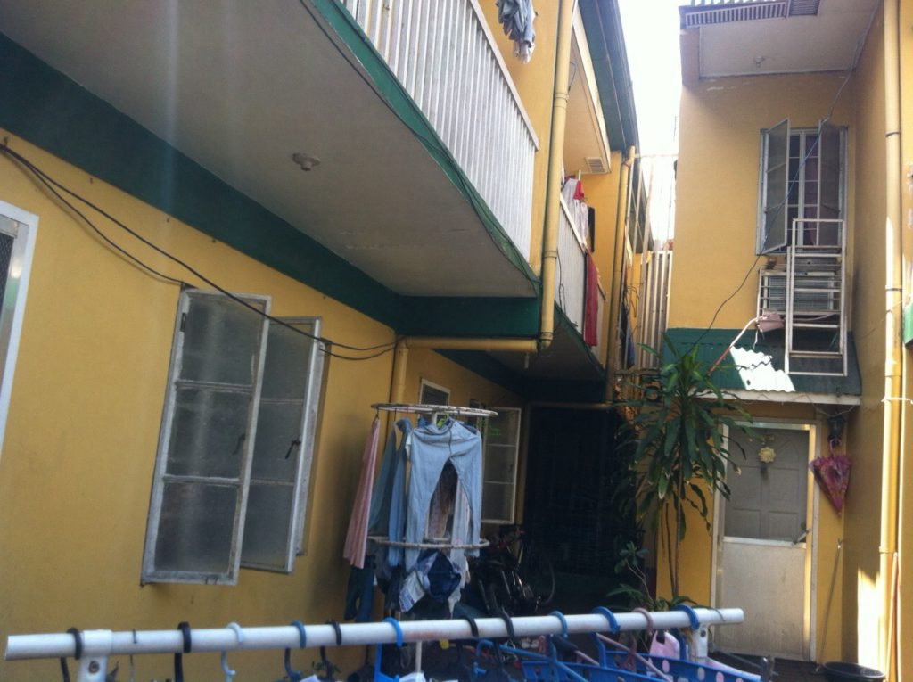 4units Apartment for Sale Angeles near Clark w/ 3 Commercial Stalls #0000881