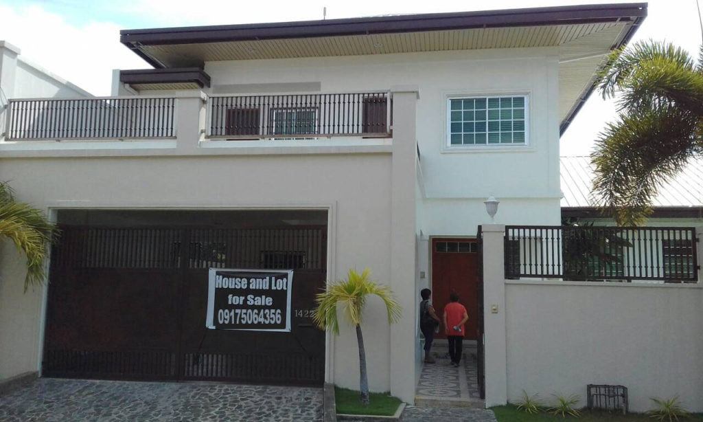 Big House for Sale Angeles City Hensonville Plaza #0000886
