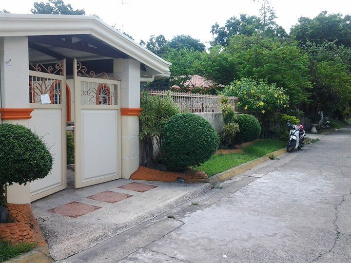 House for Sale Essel Park near SM Mall #0000894
